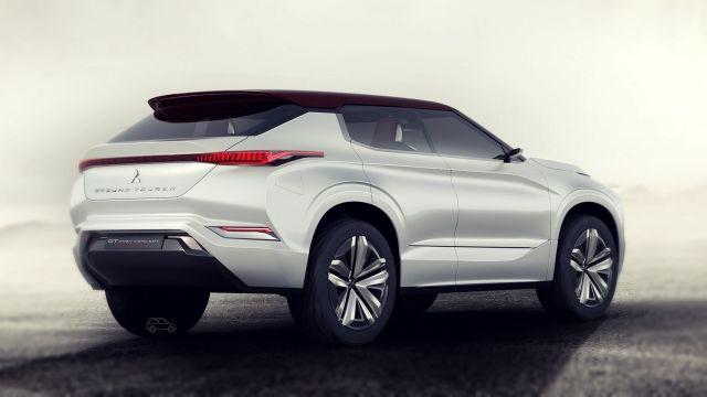 Mitsubishi GT-PHEV rear