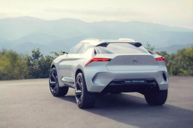 Mitsubishi e-Evolution concept rear