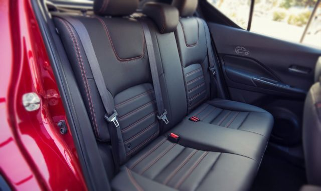 2019 Nissan Juke seats