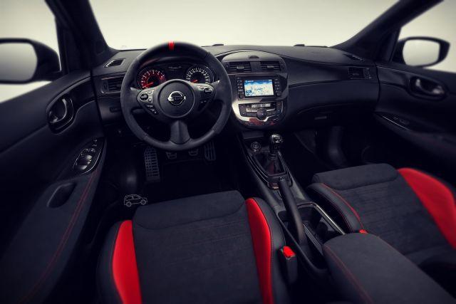 2019 Nissan Pulsar Nismo interior