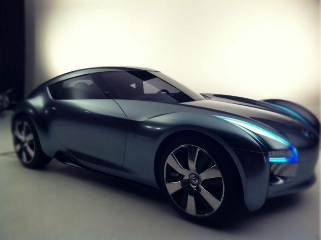 Nissan Esflow side