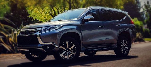 2019 Mitsubishi Montero side