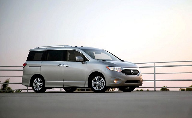 2019 nissan quest front view