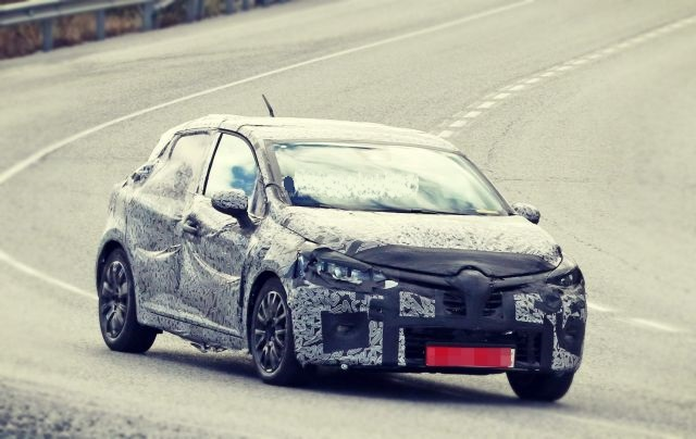2020 Renault Clio RS front
