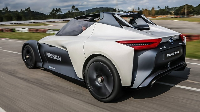 Nissan BladeGlider concept rear view