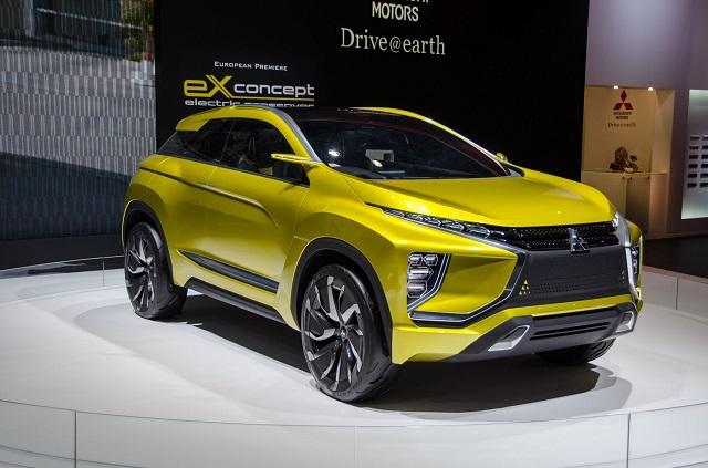 2019 Mitsubishi RVR front view