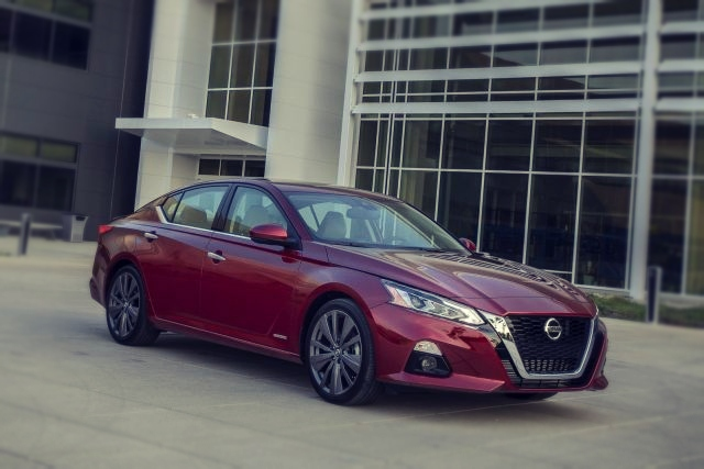 2019 Nissan Altima Edition ONE side