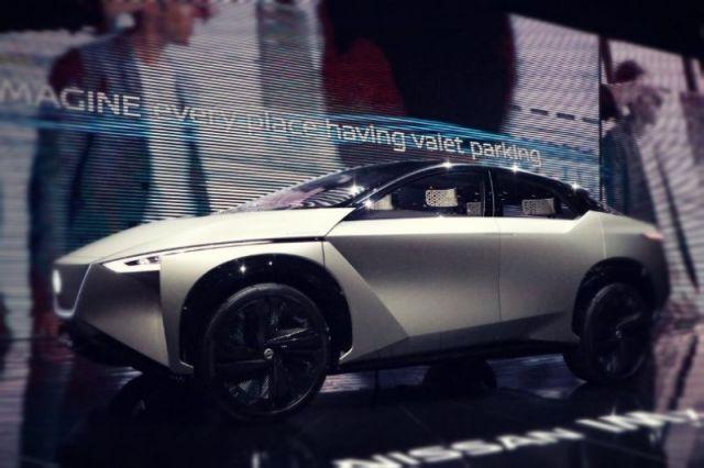 2020 Nissan IMx side