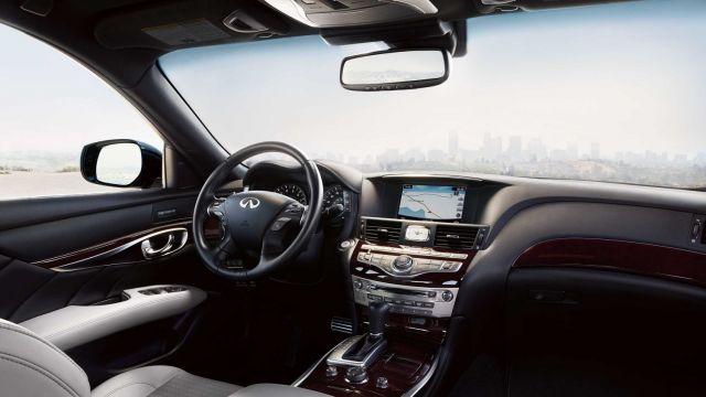 2019 Infiniti Q70 Hybrid interior