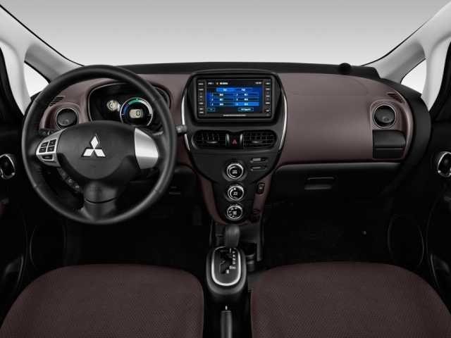 2019 Mitsubishi i-MiEV interior