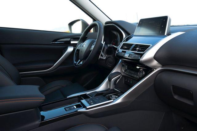 2020 Mitsubishi Lancer Cross interior