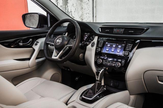 2020 Nissan Qashqai interior
