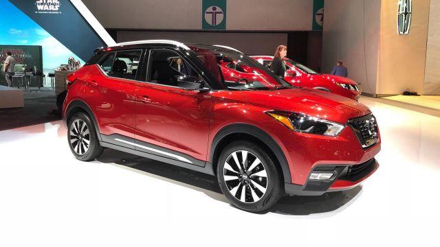 2020 Nissan Kicks front