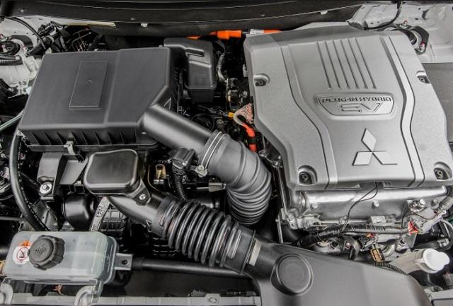 2020MitsubishiOutlander PHEV engine