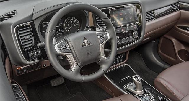 2020MitsubishiOutlander PHEV interior