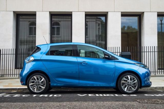 2020 Renault Zoe side