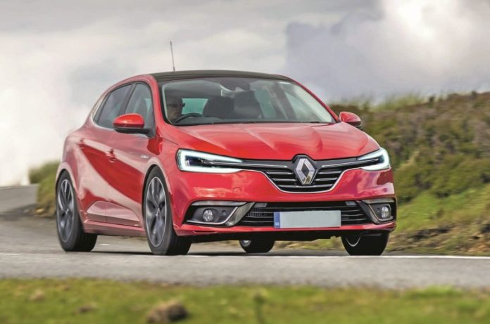 2020 Renault Clio front