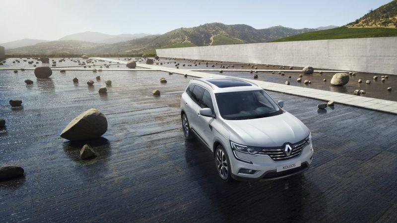 2020 Renault Koleos front