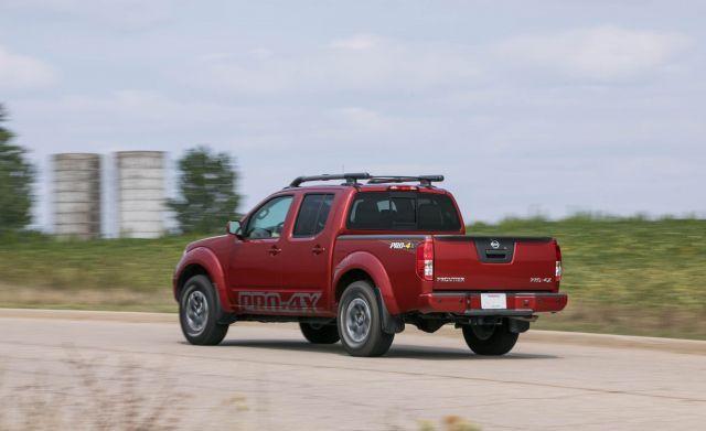 2020 Nissan Frontier Pro-4x rear