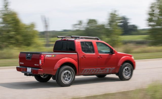 2020 Nissan Frontier Pro-4x side