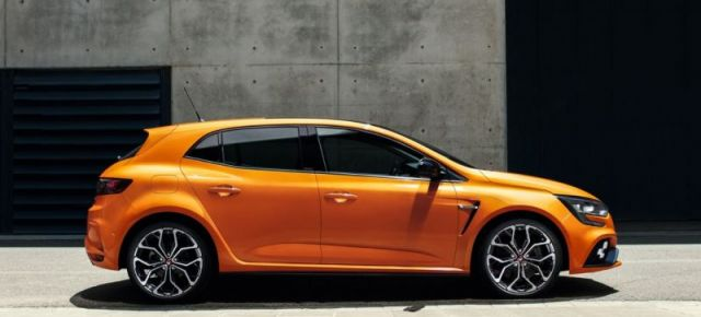 2020 Renault Megane RS side