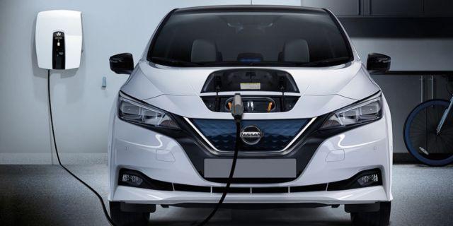 2020 Nissan Leaf E+ front