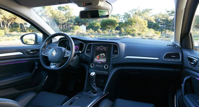 2020 Renault Megane interior