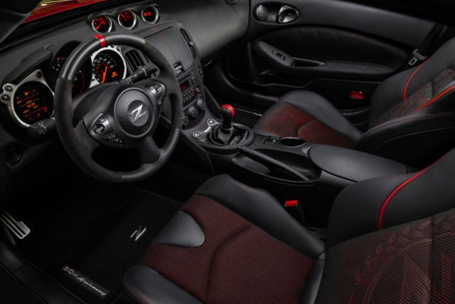 2020 Nissan 370z 50th Anniversary Edition interior