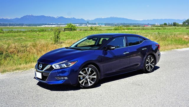 2020 Nissan Maxima Platinum side