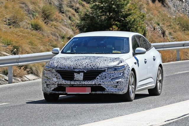 2021 Renault Talisman Spy Photos, Facelift