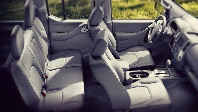 2021 Nissan Frontier interior