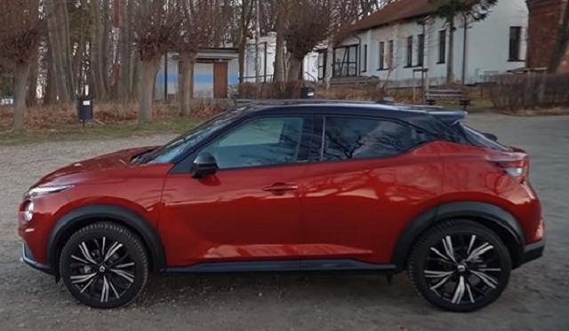 2022 Nissan Juke side view