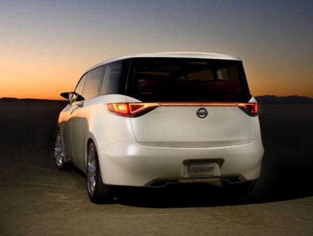 2022 Nissan Quest rear view
