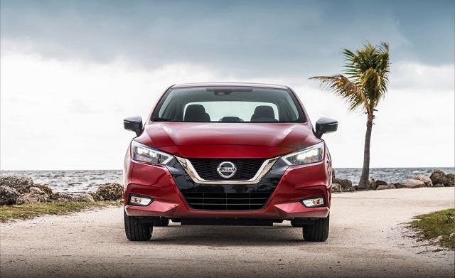 2022 Nissan Versa front view